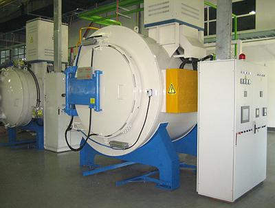卧式辅助加热离子渗氮炉